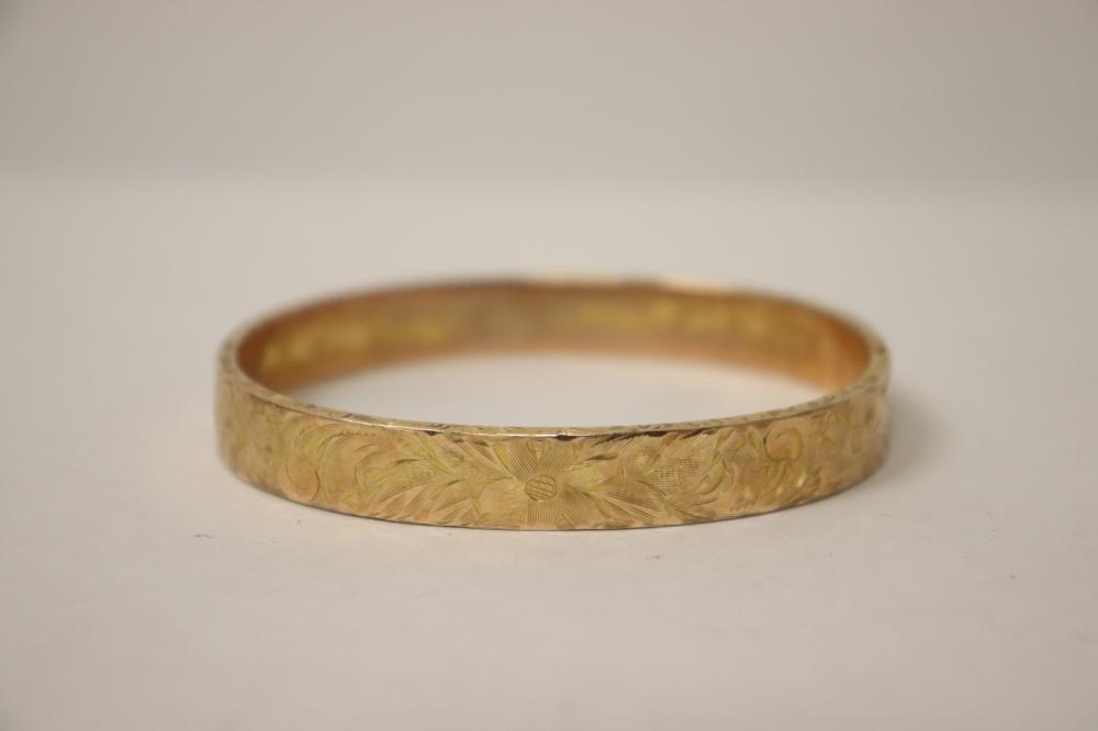 Beautiful Victorian 10K rose gold bangle bracelet