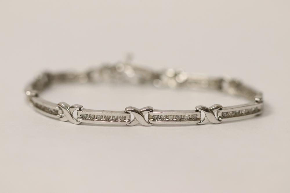 14K W/G diamond bracelet