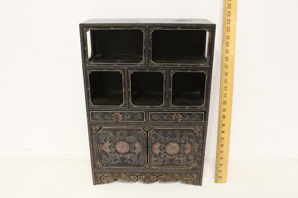 Chinese vintage painted lacquer miniature curio stand