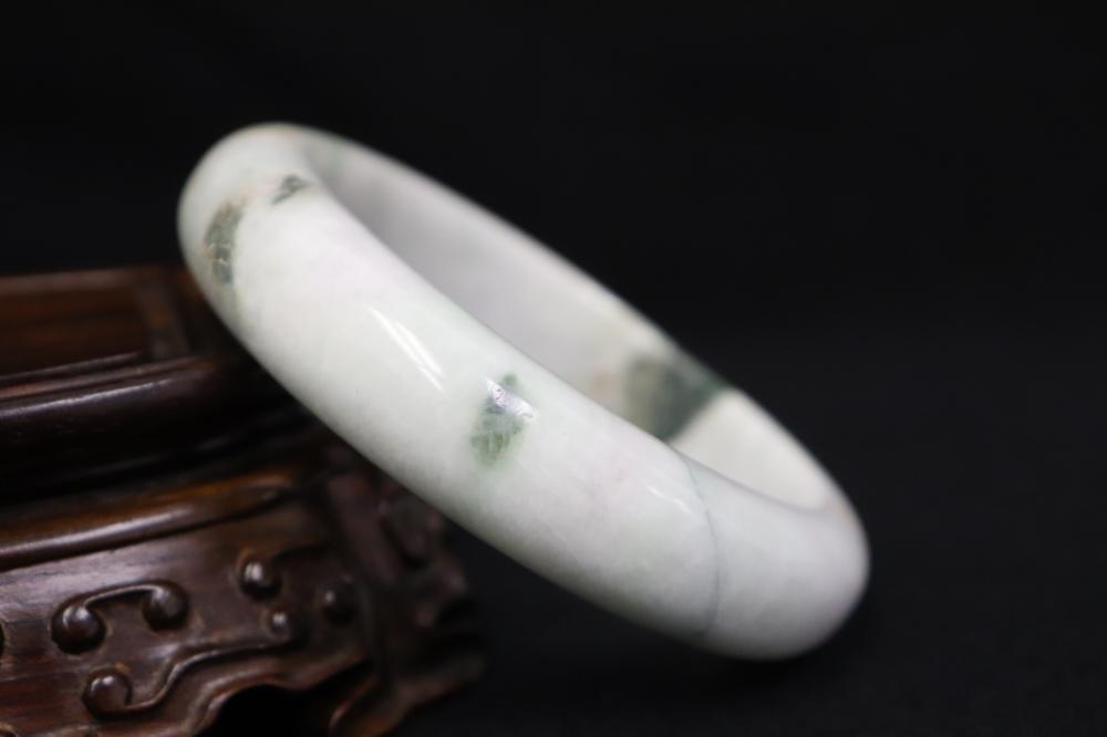 3 Chinese jadeite bangles