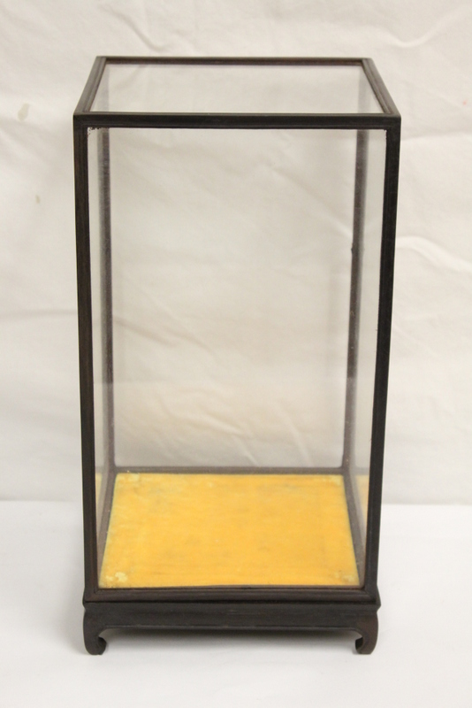 5 table top display cases with zitan frames for How to display picture frames on a table