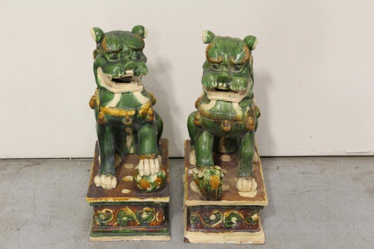 Pair Chinese large sancai style fulion