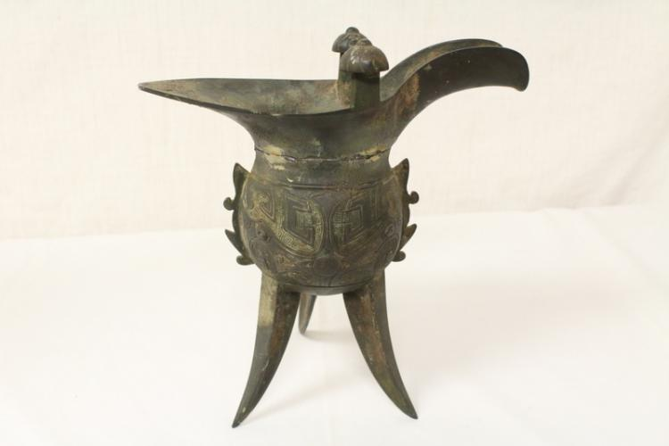 Chinese archaic bronze Jue, Shang dynasty