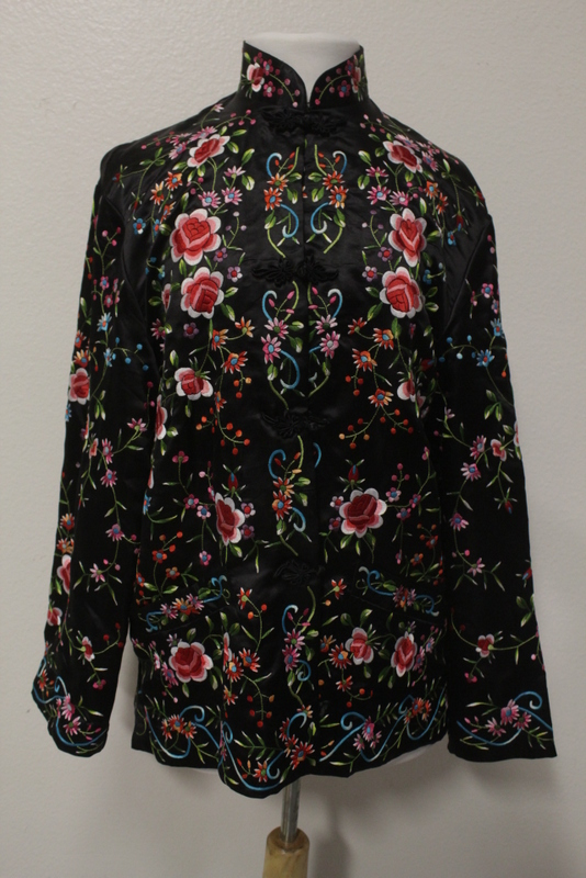 Beautiful Chinese lady embroidery blouse
