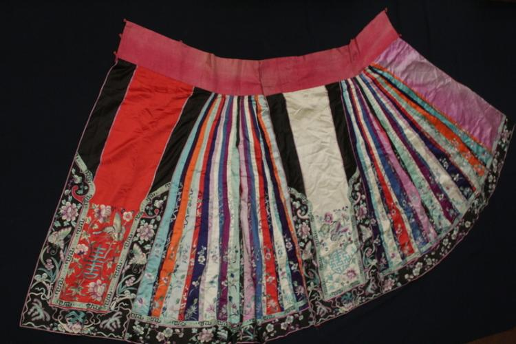Chinese antique embroidery lady's skirt
