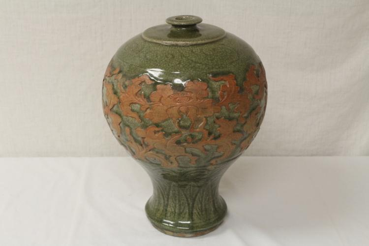 A large Chinese crackle ware porcelain baluster jar