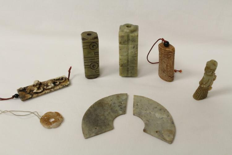 8 pieces Chinese archaic style jade carvings
