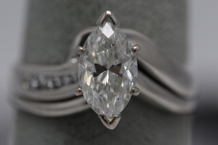 14K W/G lady's diamond ring
