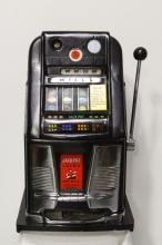 An early Mill's 10¢ slot machine