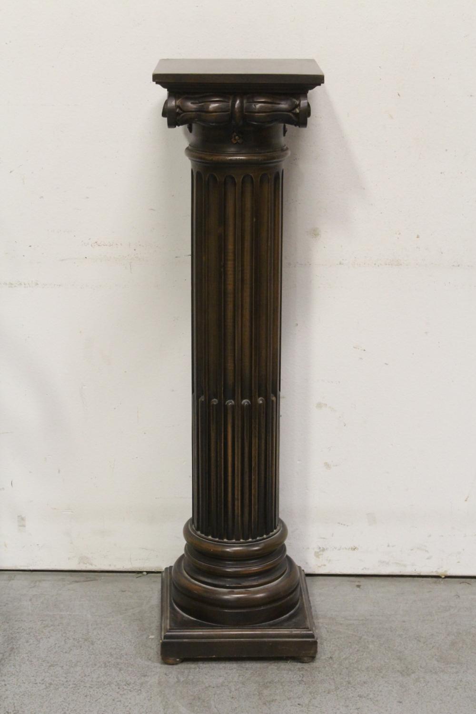 Mahogany pedestal stand