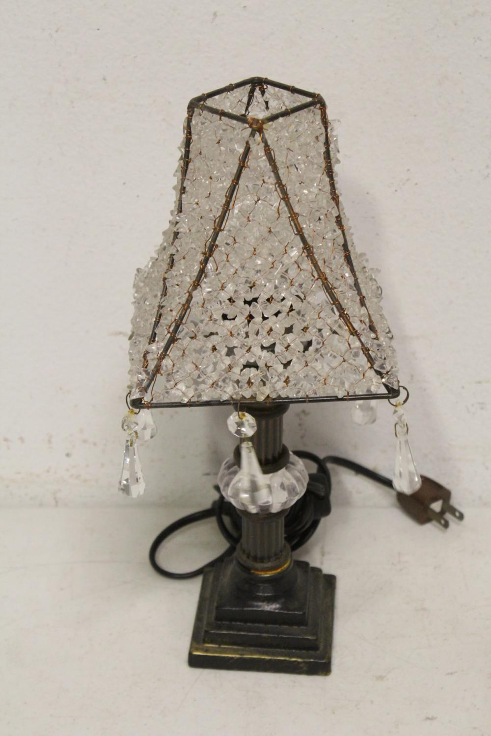 Lot 108: Lot of crystals & glasses, and a table lamp