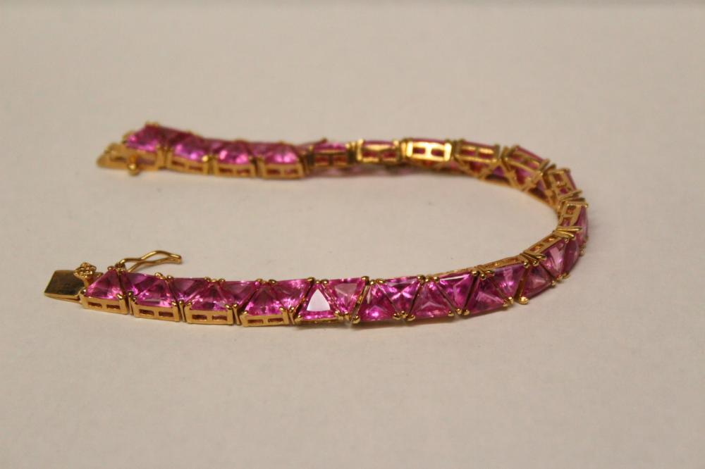 Lot 190: 4 beautiful sterling silver bracelets