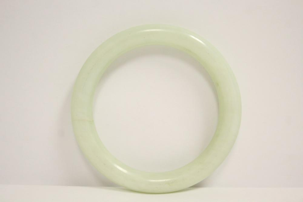 A fine Chinese antique jadeite bangle