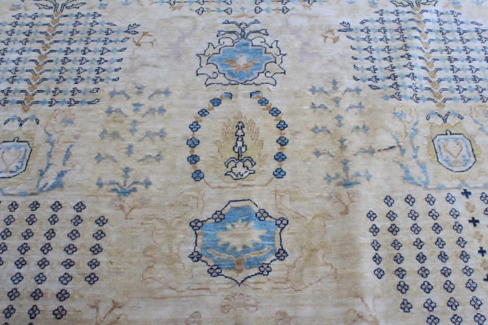 Lot 156: An important palace size handmade Persian rug
