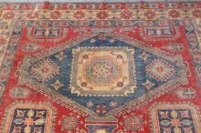 Lot 164: A beautiful large room size handmade Persian rug