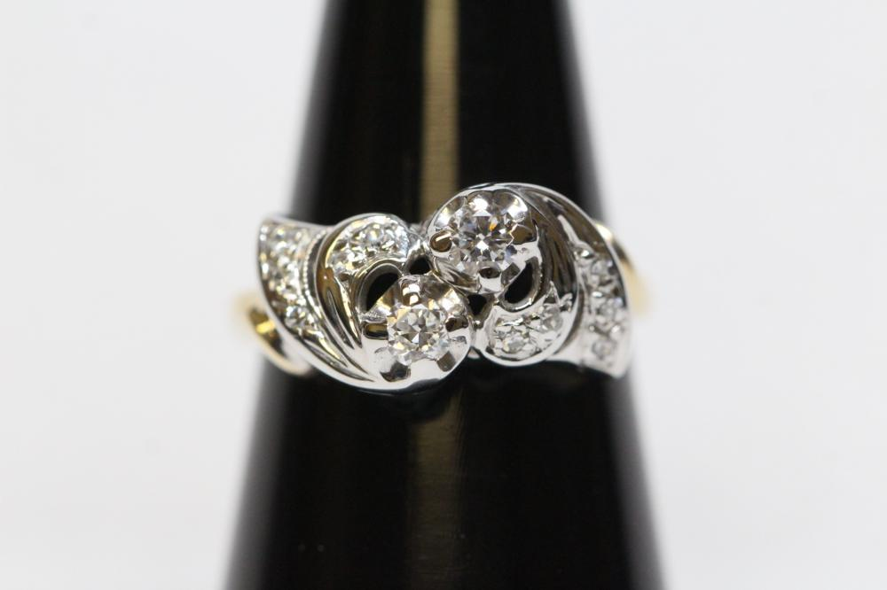Beautiful 14K W/G diamond ring