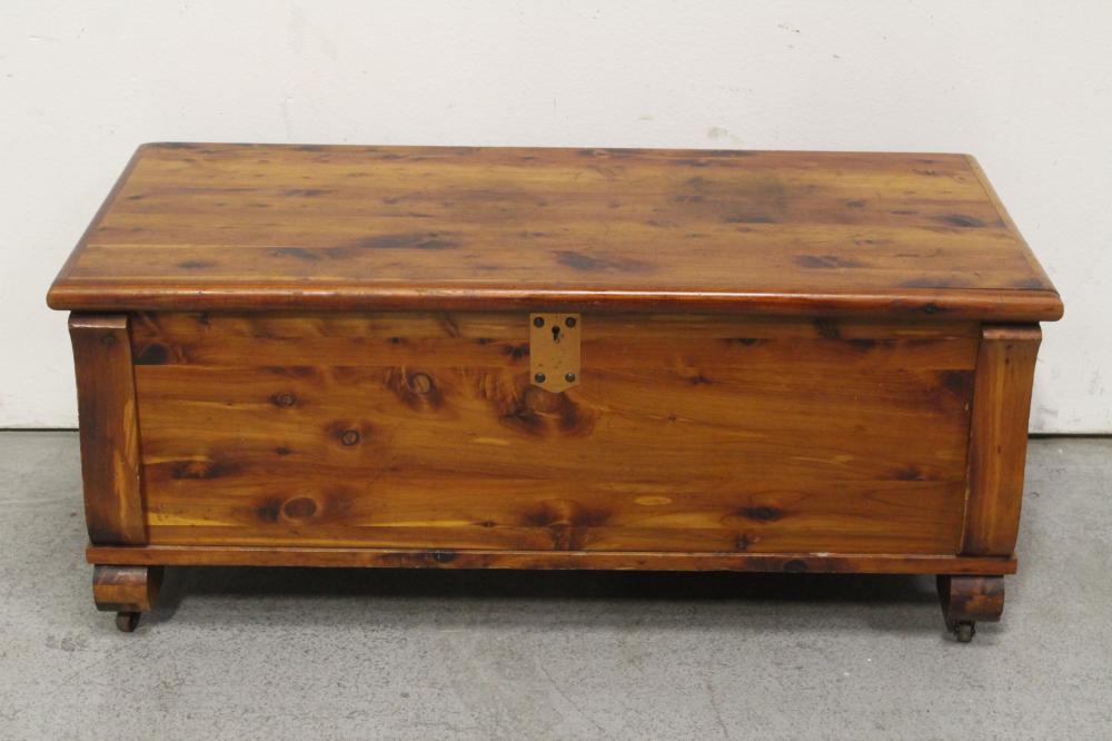Fine American vintage cedar chest