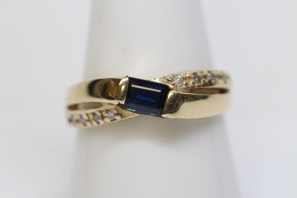 14K Y/G ring w/ blue sapphire and diamonds