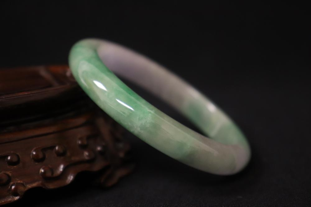 Lot 228: 2 jadeite bangles