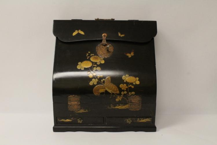 Japanese antique lacquer on wood traveling case