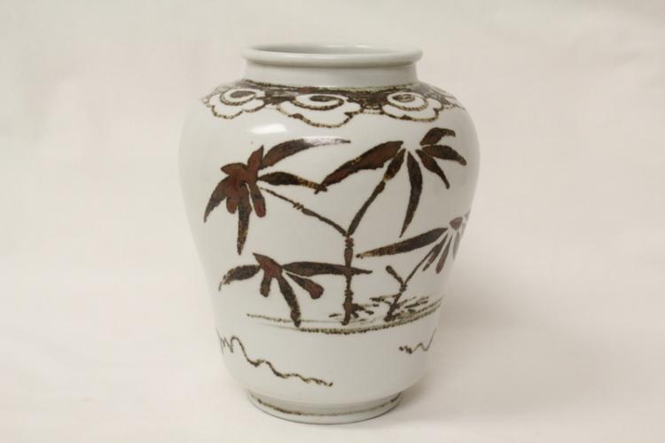 Korean white porcelain jar, Choson period