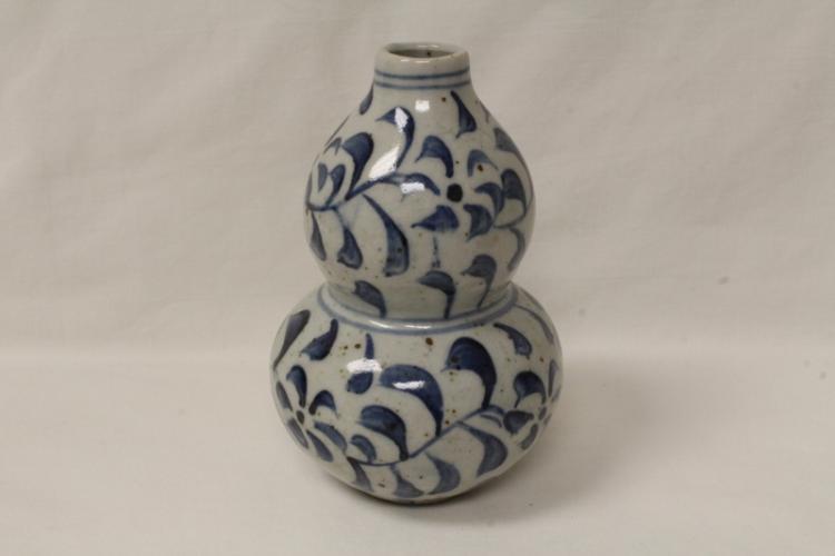 Korean antique b&w porcelain vase