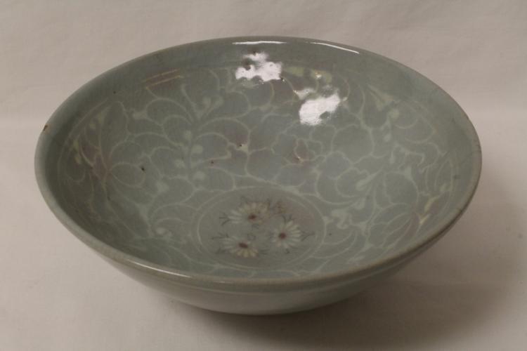 Korean antique celadon porcelain bowl