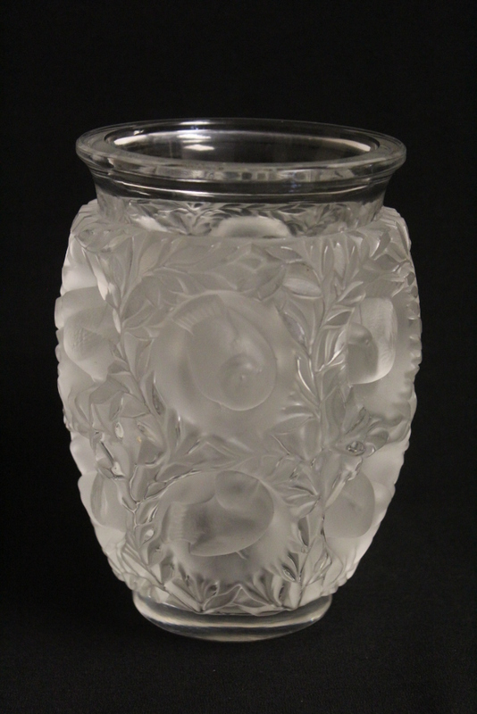 Lalique crystal jar decorated with pheasants