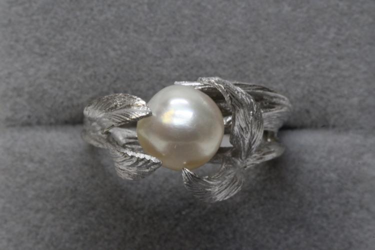 14K floral design pearl ring