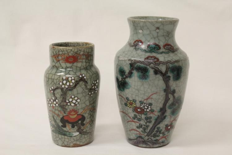 2 Chinese crackle ware vases painted with flowers