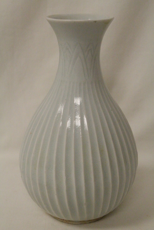 Chinese Song style celadon porcelain vase