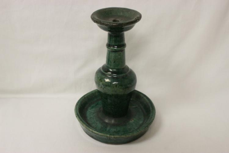 Chinese Han style green glazed oil lamp