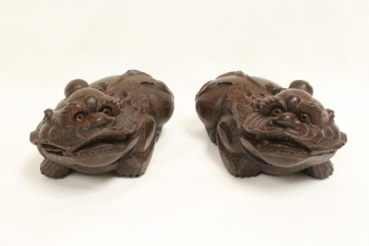 Pair rare Vietnamese chenxiang wood carvings