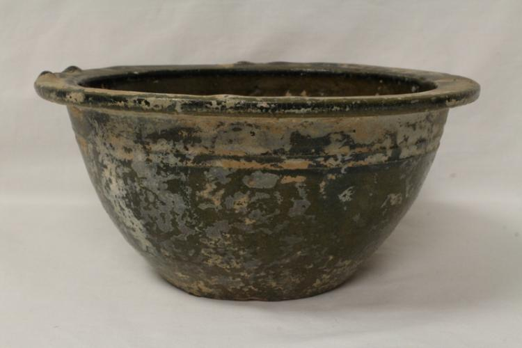 Chinese Han green glazed bowl