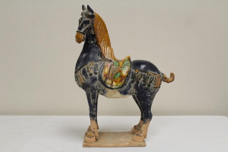 Sancai style horse