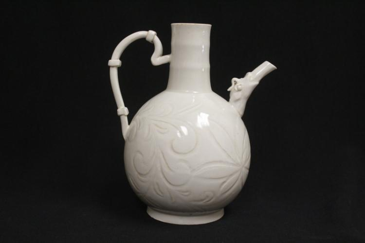 Song style white porcelain wine ewer
