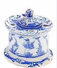 Tintero en cerámica de Talavera esmaltada en azul cobalto. S. XIX