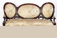 A MAHOGANY SOFA AND CHAIRS SET, 19TH CENTURY