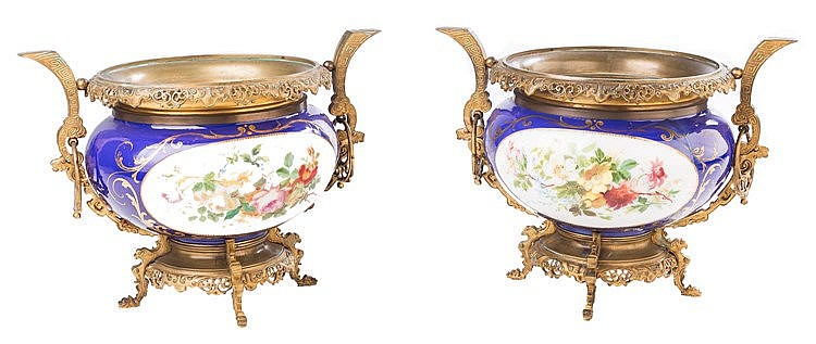 A PAIR OF FLOWER POTS, 19TH CENTURY