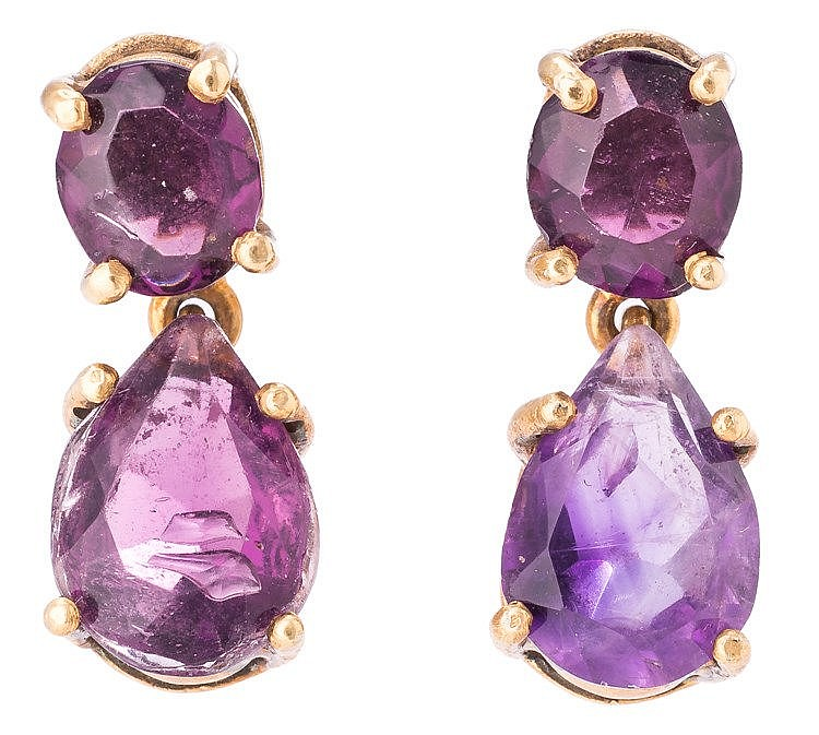 A PAIR OF GILT SILVER AND AMETHYST EARRINGS