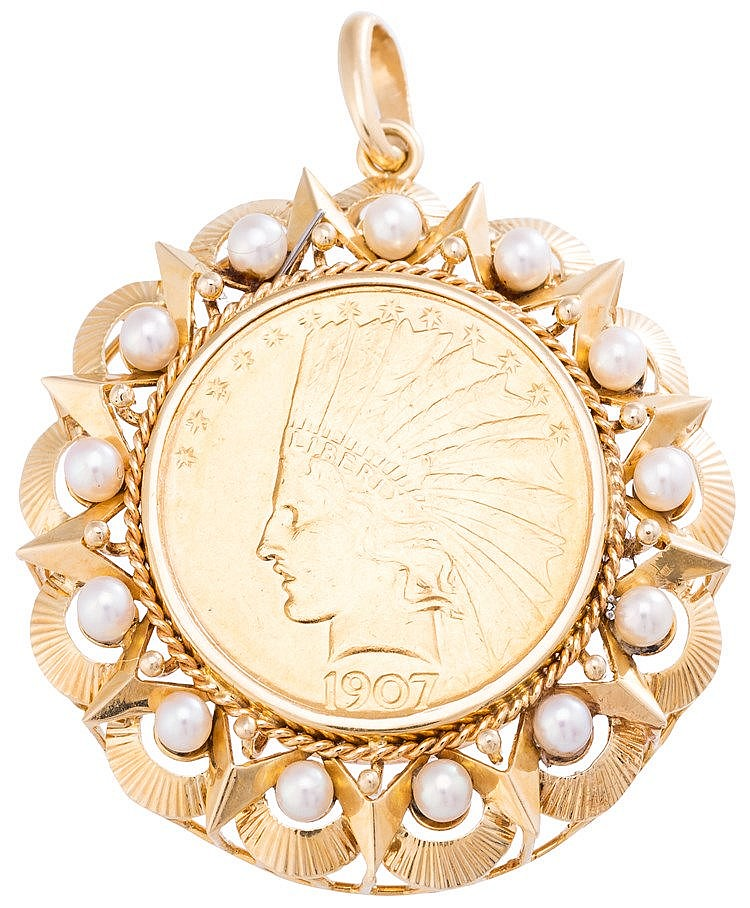 A GOLD AND PEARL PENDANT