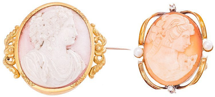 A GOLD, PEARL AND SAPPHIRE CAMEO BROOCH