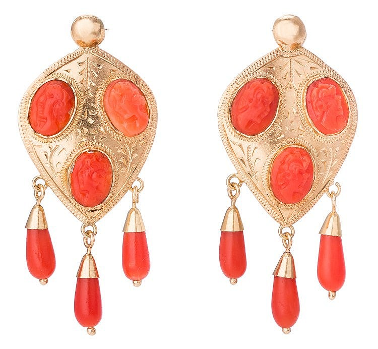 A PAIR OF GOLD AND CORAL EARRINGS