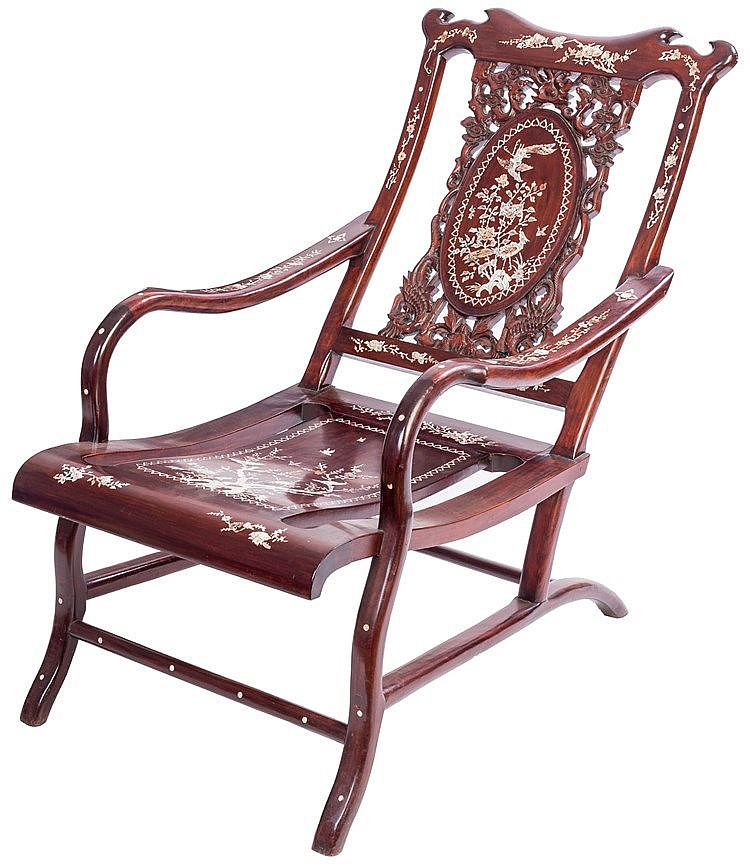 A CHINESE CARVED WOODEN CHAIR, SECOND HALF 20TH CENTURY