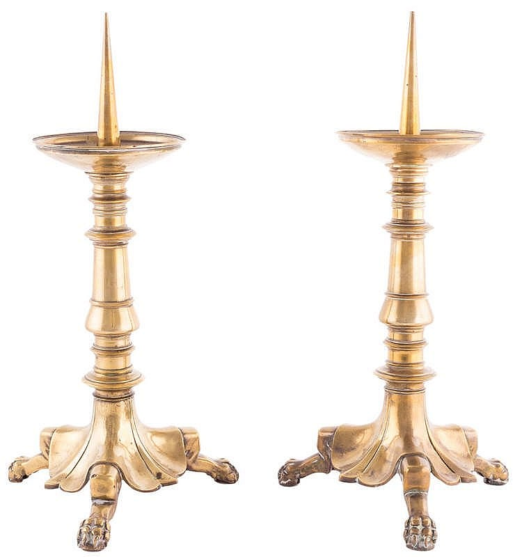 A PAIR OF GILT BRONZE CANDLESTICKS, 20TH CENTURY