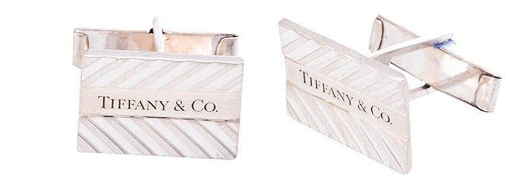 A PAIR OF SILVER CUFFLINKS, BY Tiffany & CO