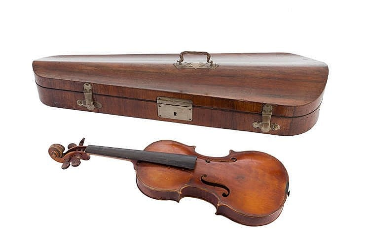 A LATE 19TH CENTURY JOSEF KLOTZ IN MITTENWALD´S VIOLIN