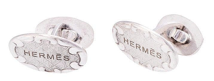 A PAIR OF SILVER CUFFLINKS, BY HERMES