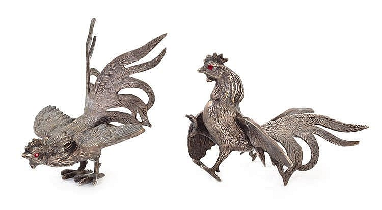 A PAIR OF FIGHTING ROOSTER FIGURES, PORTUGAL, CIRCA 1960