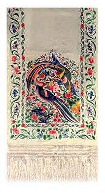 A PHILIPPINE SILK SHAWL. 19TH CENTURY